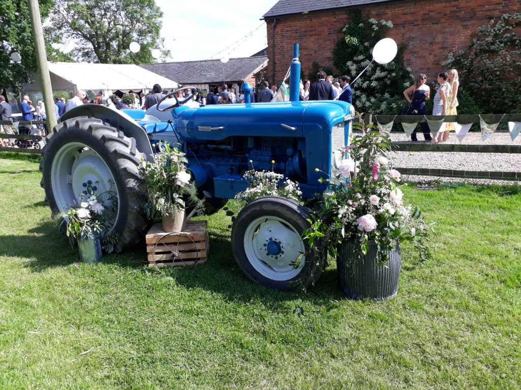 Our handsome vintage tractor all dressed up