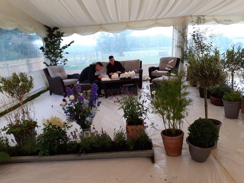 Illusion of an indoor garden created