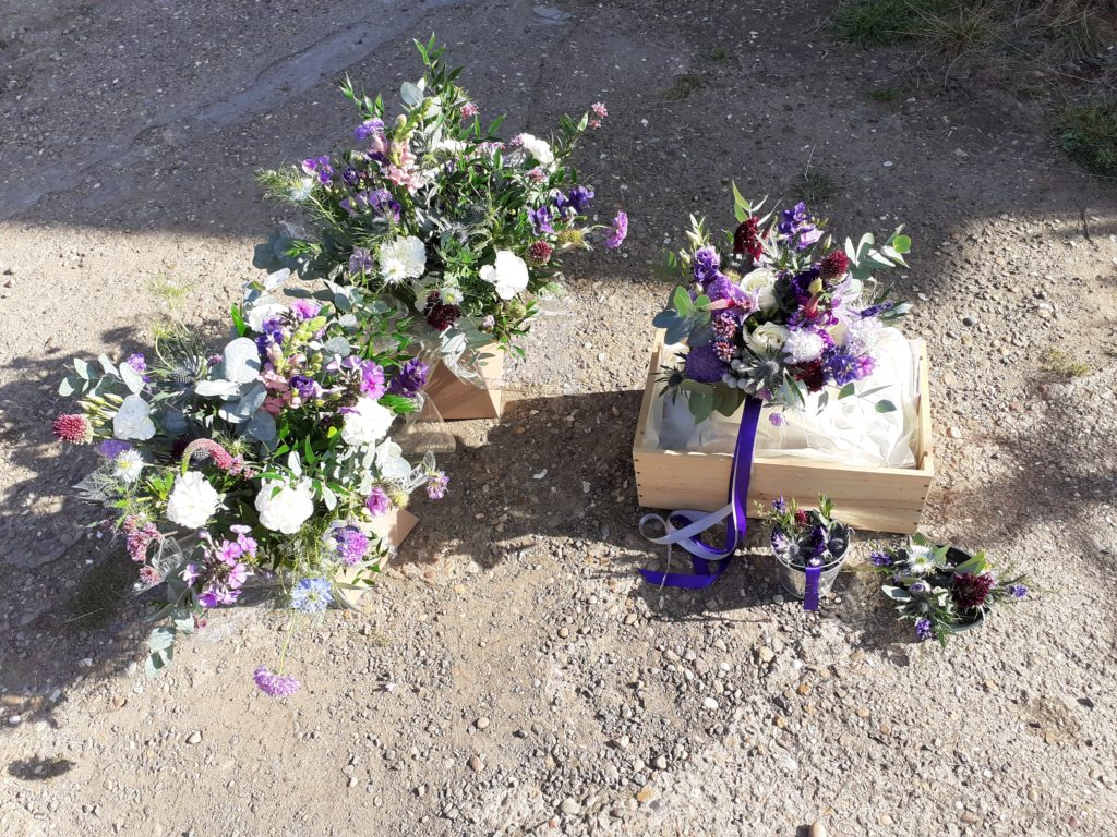 Thank you and Bride's bouquet with buttonholes